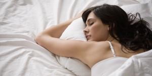 Erholsamer einschlafen dank entspannender Einschlafgeräusche