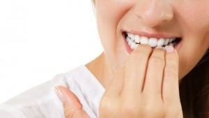 Nägelkauen: Harmlose Marotte oder ausgewachsene Zwangsstörung?
