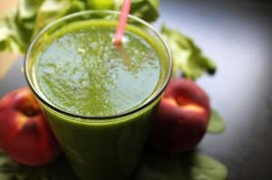 Nicht unbedingt hübsch anzusehen, aber durchaus lecker und sehr gesund: Grüne Smoothies