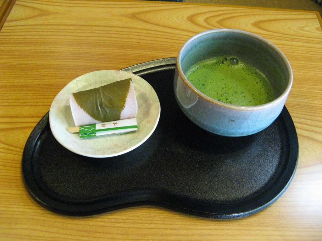 Matcha-Tee: Giftgrünes Wunder aus Japan