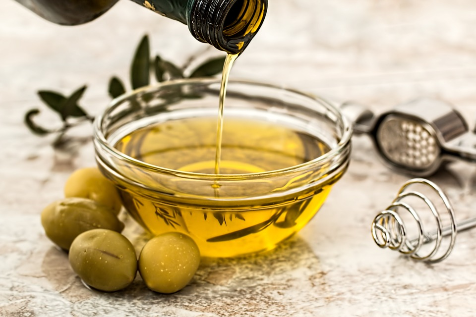 oliven-oel-schale